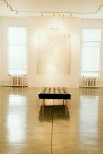 grzejniki białe ogrzewające pomieszczenie